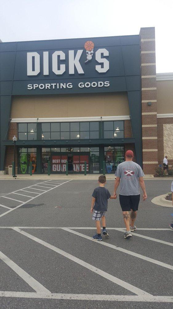 DICK'S Sporting Goods: 1320 McFarland Blvd E, Tuscaloosa, AL