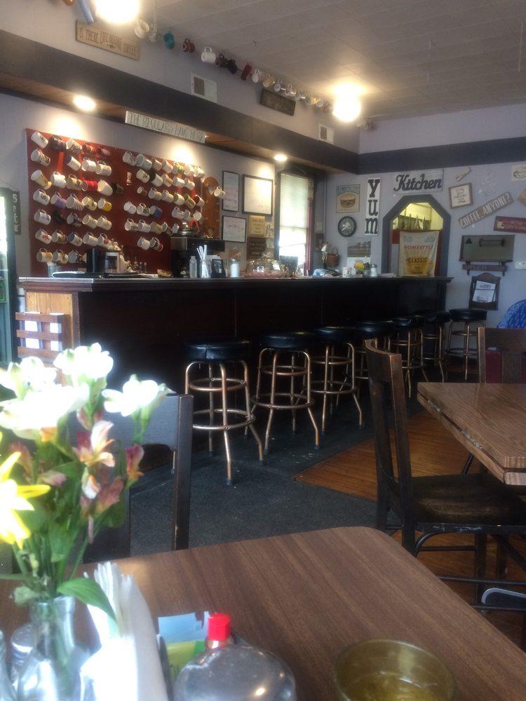 Serena Cafe: 2274 US Rt 52, Serena, IL