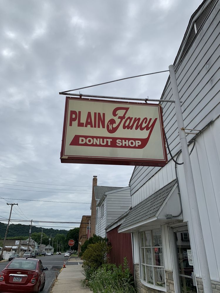 Plain 'n Fancy: 120 St Charles St, Schuylkill Haven, PA