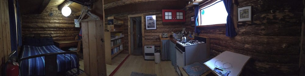 Arctic Getaway Cabin & Breakfast: Mile 189 Dalton Hwy, Wiseman, AK