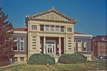 Public Library of Cincinnati & Hamilton County: Walnut Hills: 2533 Kemper Ln, Cincinnati, OH