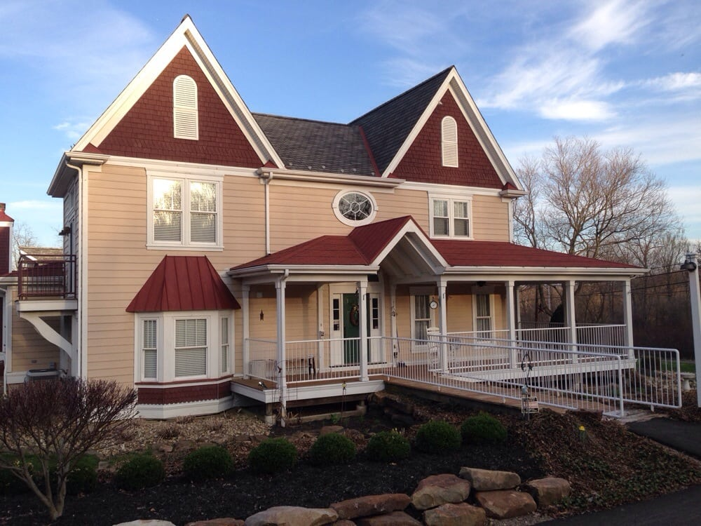 Chapel Valley Estate: 297 Chapel Dr, Ellwood City, PA