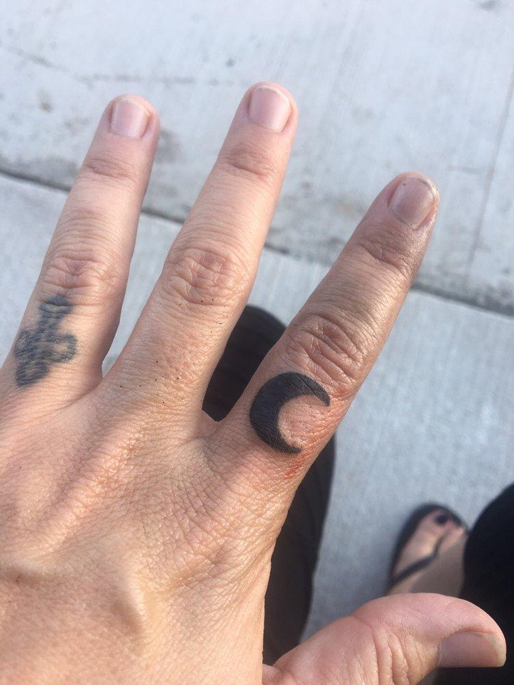 Twiztid Ink Tattoos and Piercings: 207 E College Ave, Alvarado, TX