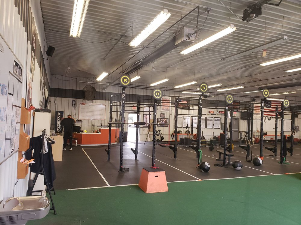 Pro-Fit Gym: 770 Quarry Rd, Coralville, IA