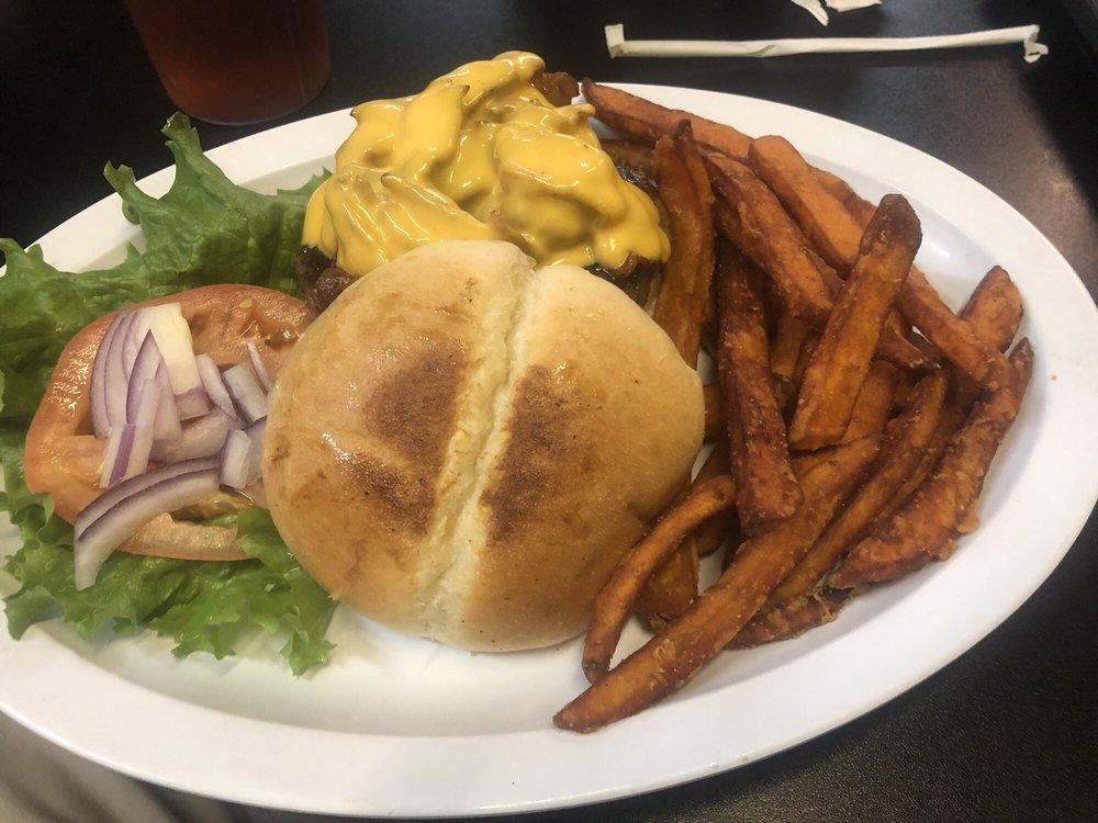 Nautica Joe's Cafe: 1523 Newcastle St, Darien, GA