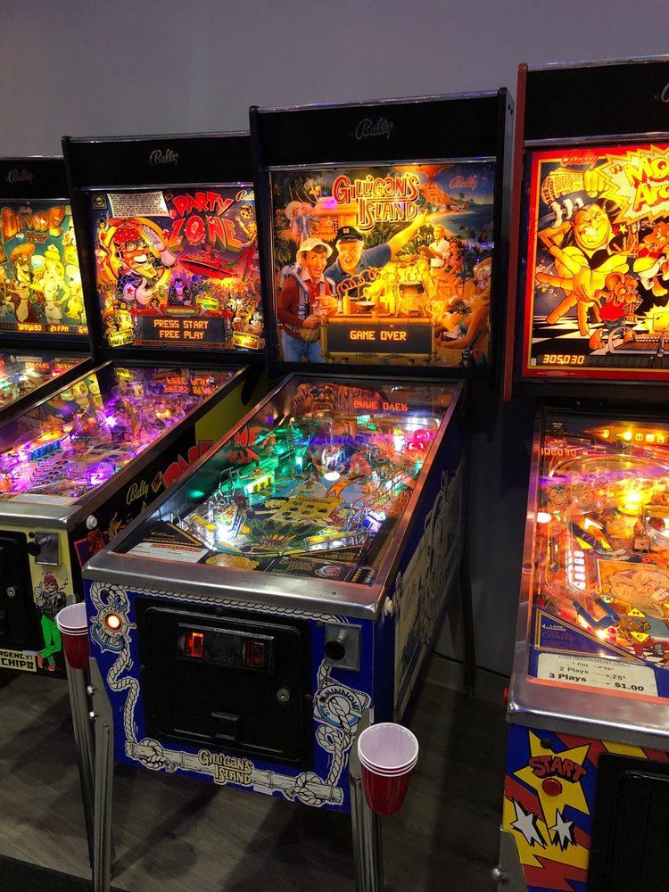 Free Play Pinball