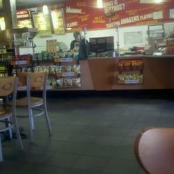 Quiznos Closed Sandwiches 1120 N Carbon St Marion Il