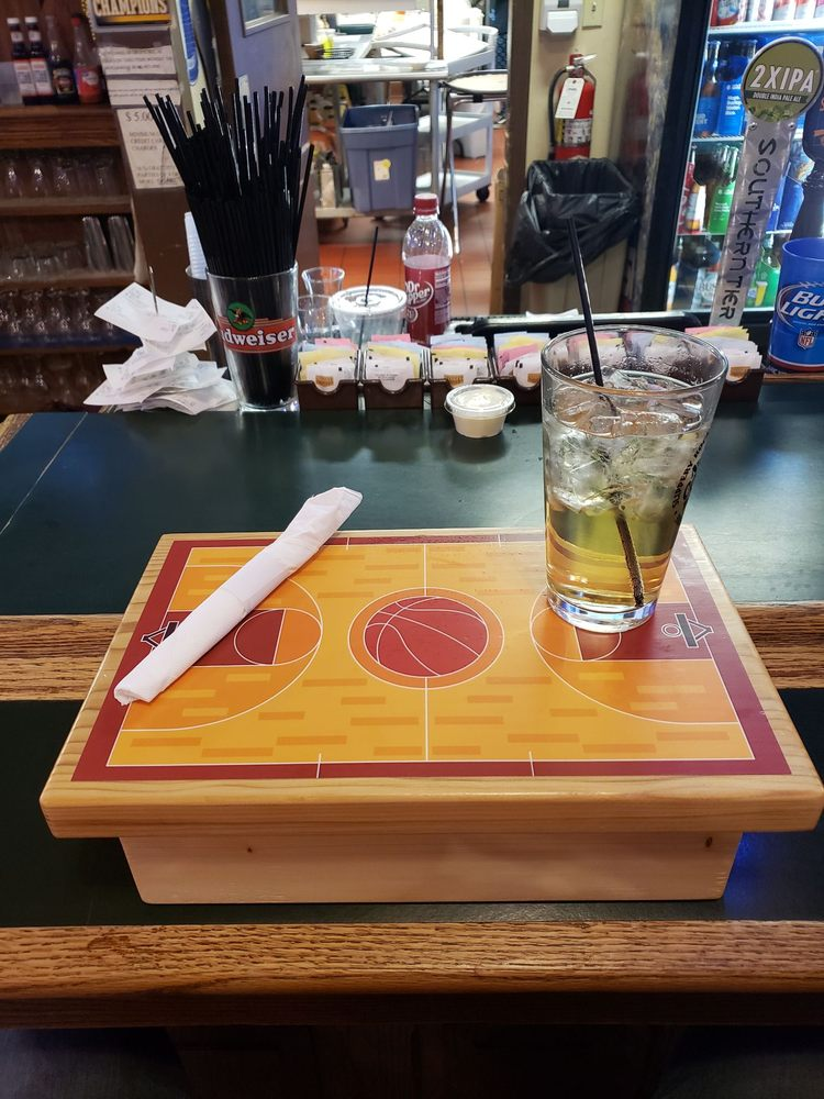 Double Play Sports Bar & Night Club: 45 Seneca St, Oil City, PA