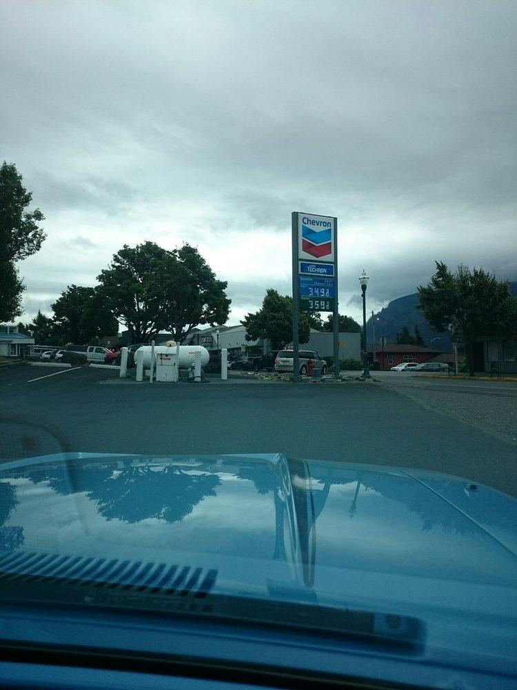 Chevron: 91 NW Second St, Stevenson, WA