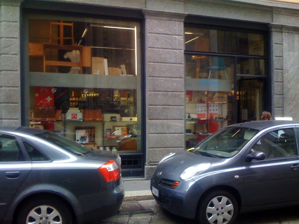 Pellegrini: Via Brera 16, Milan, MI