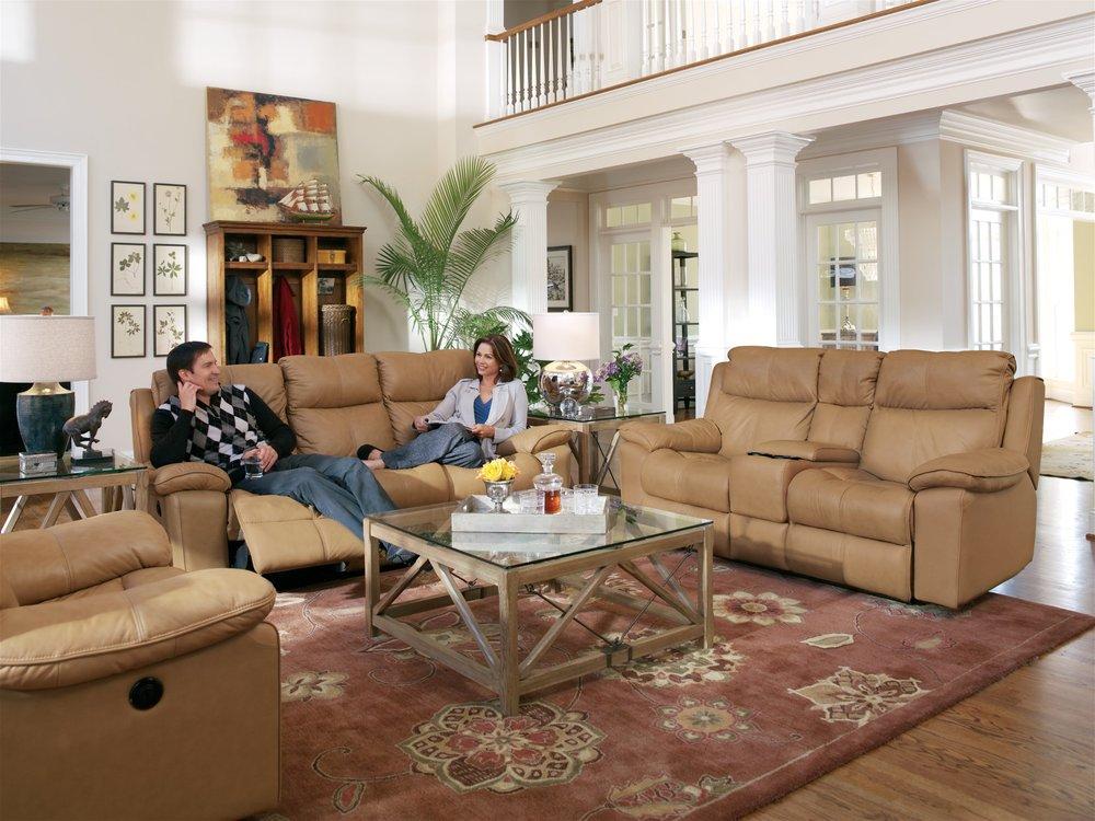 Kellum's Furniture: 106 N Main St, Havana, FL