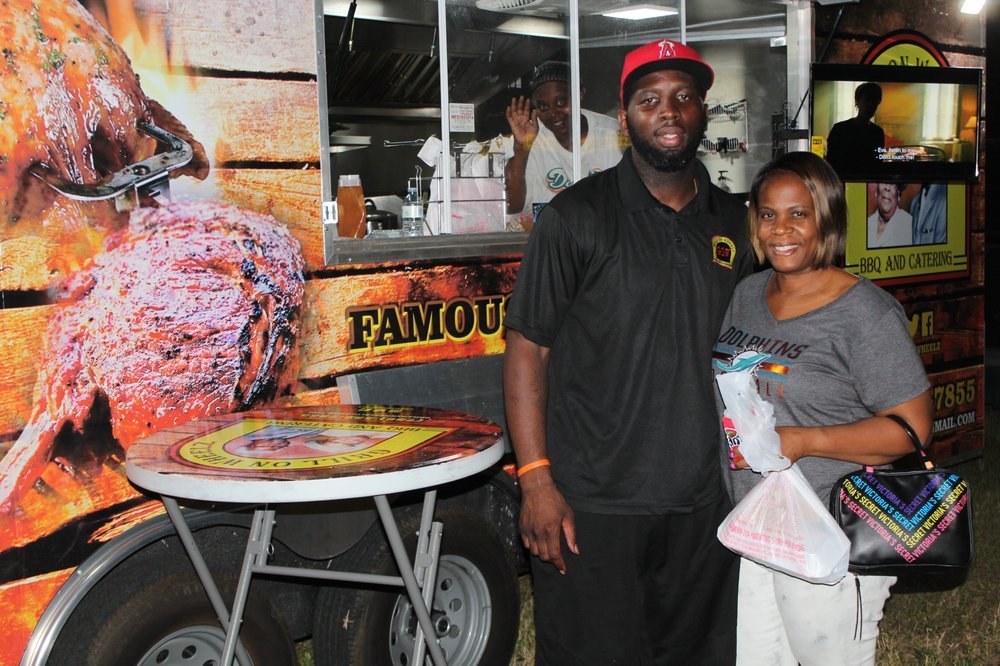 Grill on Wheelz: 55TH Street Nw 17th Ave, Miami, FL