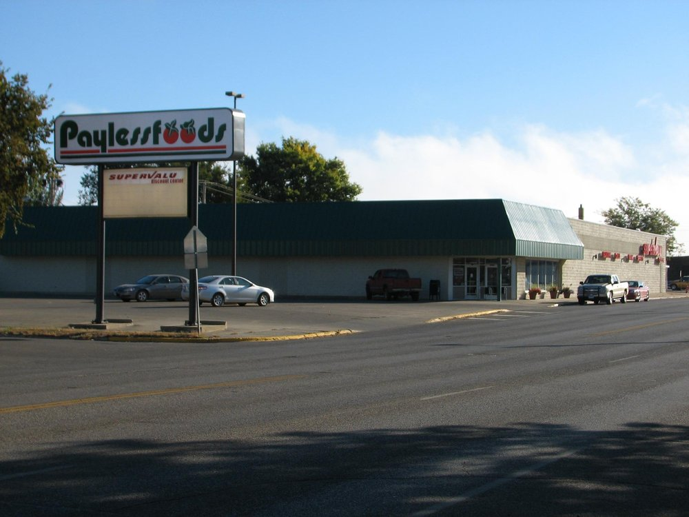 Paylessfoods: 214 W Grand Xing, Mobridge, SD