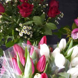 Photo of Lisa's Flowers & Gifts - Philadelphia, PA, United States.