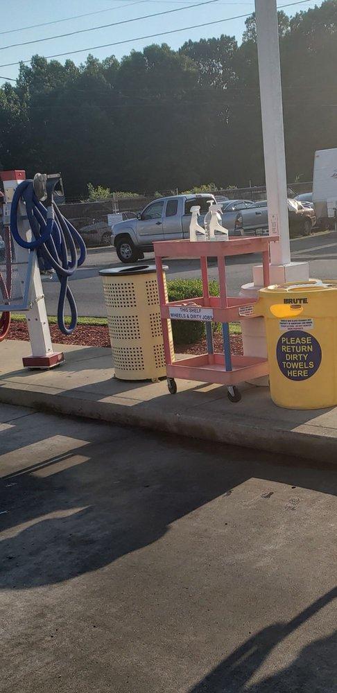 American Car Wash: 2200 Madison St, Clarksville, TN