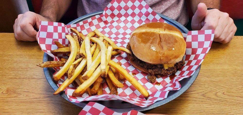 Broadway Burgers &More: 827 W Broadway St, Webb City, MO