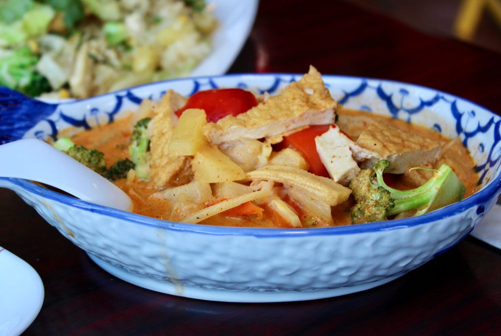 Thai Touch: 1334 SE Hawthorne Blvd, Portland, OR