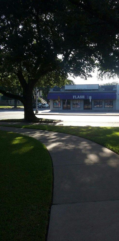 Flash University Store