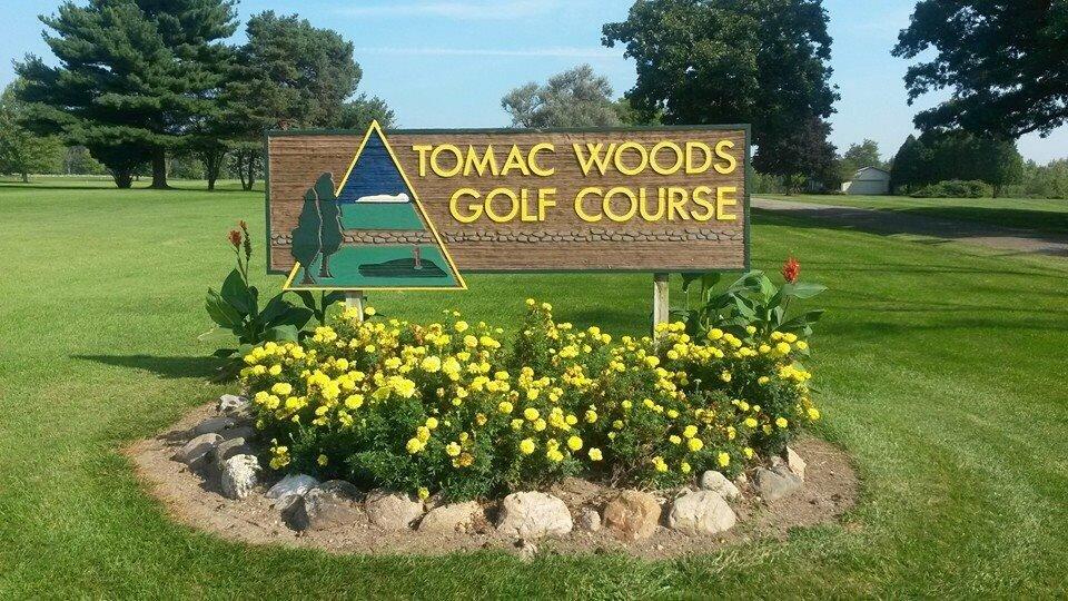 Tomac Woods Golf Course: Albion, MI