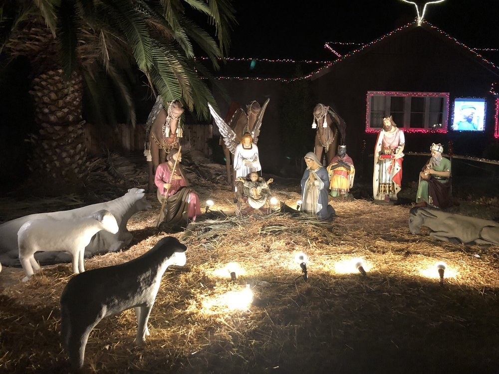 Christmas Tree Lane: W 5th St & S G St, Oxnard, CA