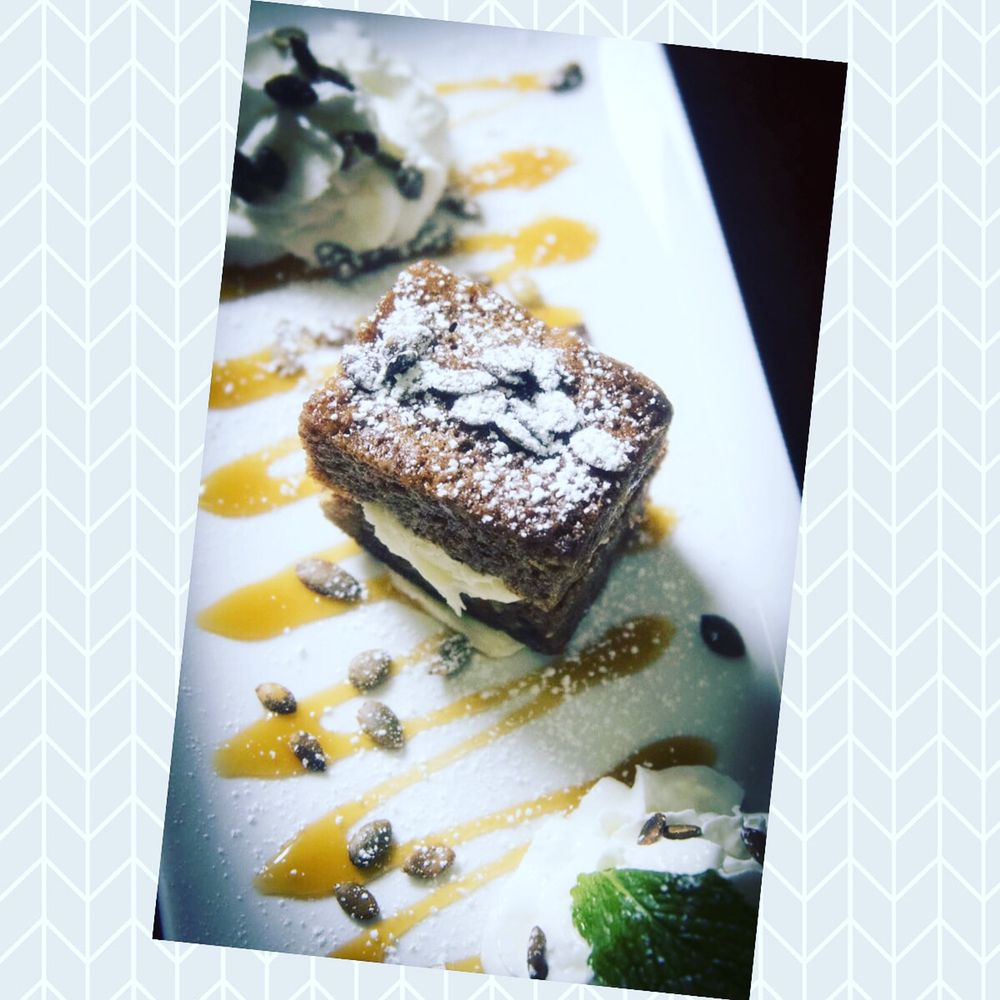 Leandros Restaurant & Tavern