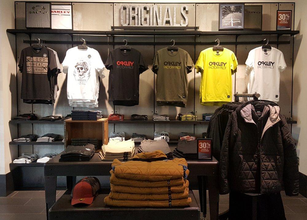 13e53c70e1 Oakley Vault - 11 Photos - Men s Clothing - 300 Tanger Blvd
