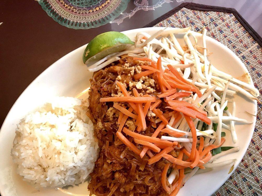 Sawatdy Thai Cuisine: 8780 Fletcher Bay Rd NE, Bainbridge Island, WA