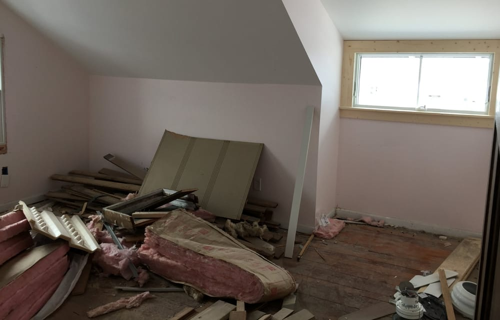 Storing Debris That Contains Lead Based Paint On Interior Of Home