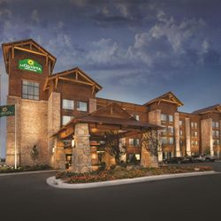 Photo Of La Quinta Inn Suites Branson Hollister Mo United