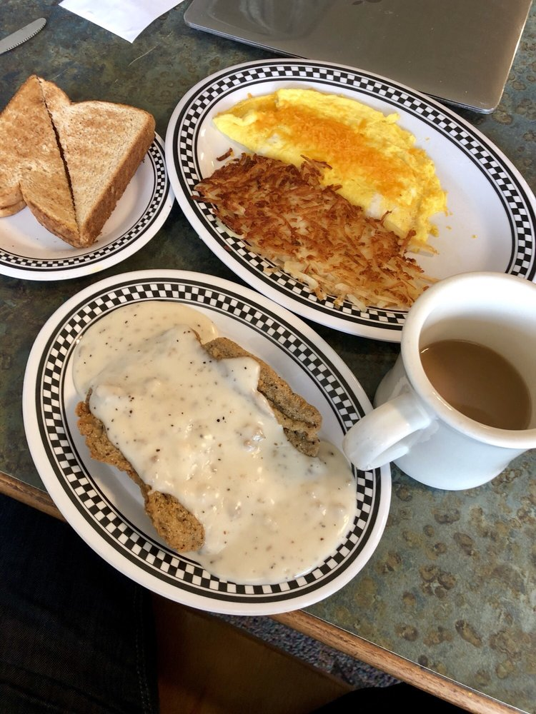 Hubbartt's Downtown Diner: 1626 Broadway Ave, Mattoon, IL