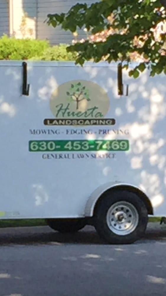 Huerta Landscaping: Kingston, IL