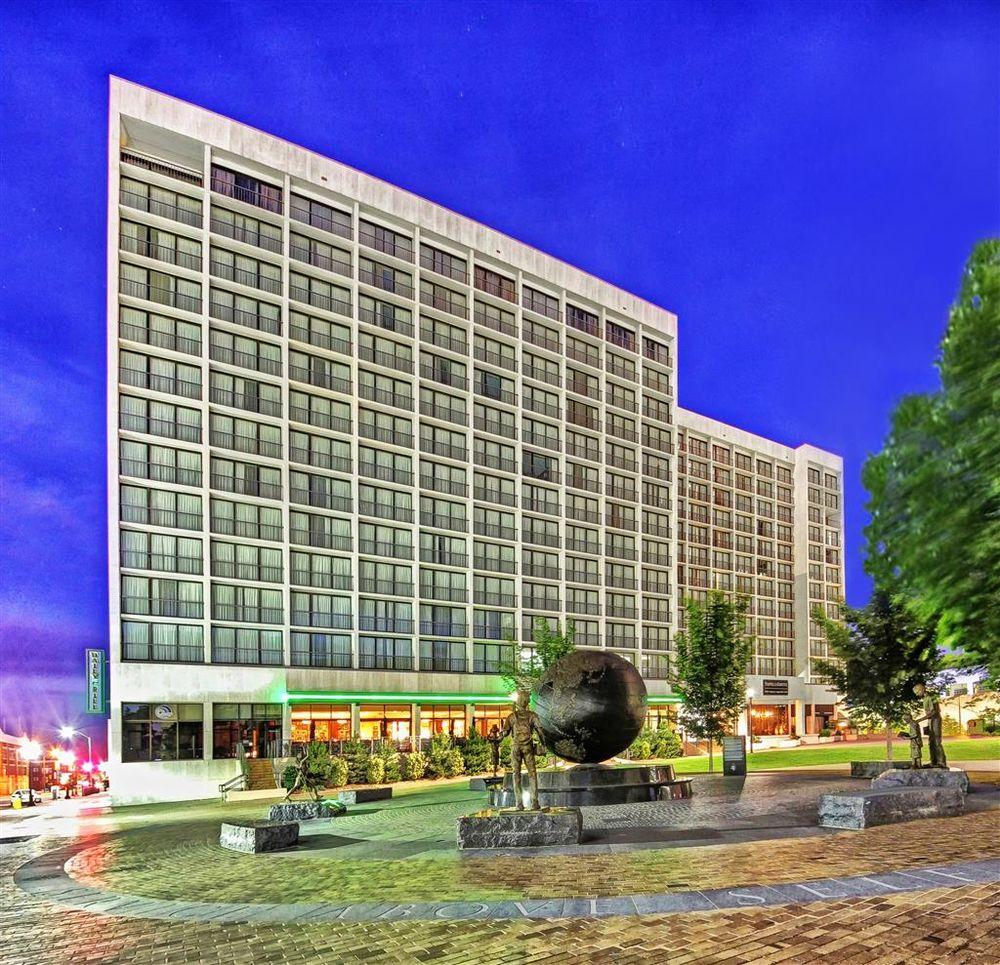 Hyatt Regency Tulsa Photos Reviews Hotels E