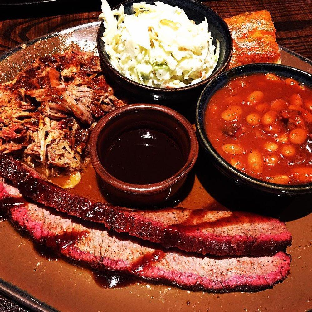 Hog Wild BBQ: 386 Kinzua Rd, Warren, PA