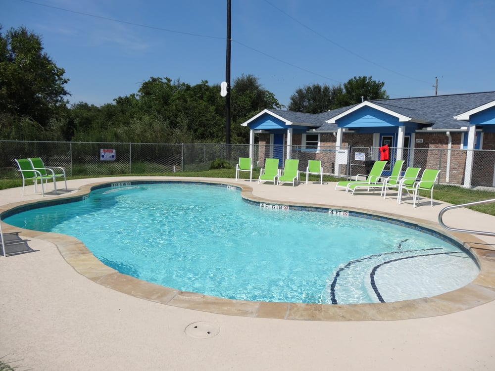 Gordy Road RV Park: 715 Gordy Rd, Bacliff, TX