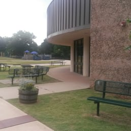 Photo of Stillwater Public Schools - Stillwater, OK, United States. Seating  for eating