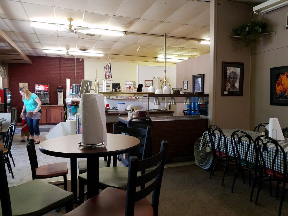 Pizza Pete's: 945 Cleveland St, Franklinton, LA