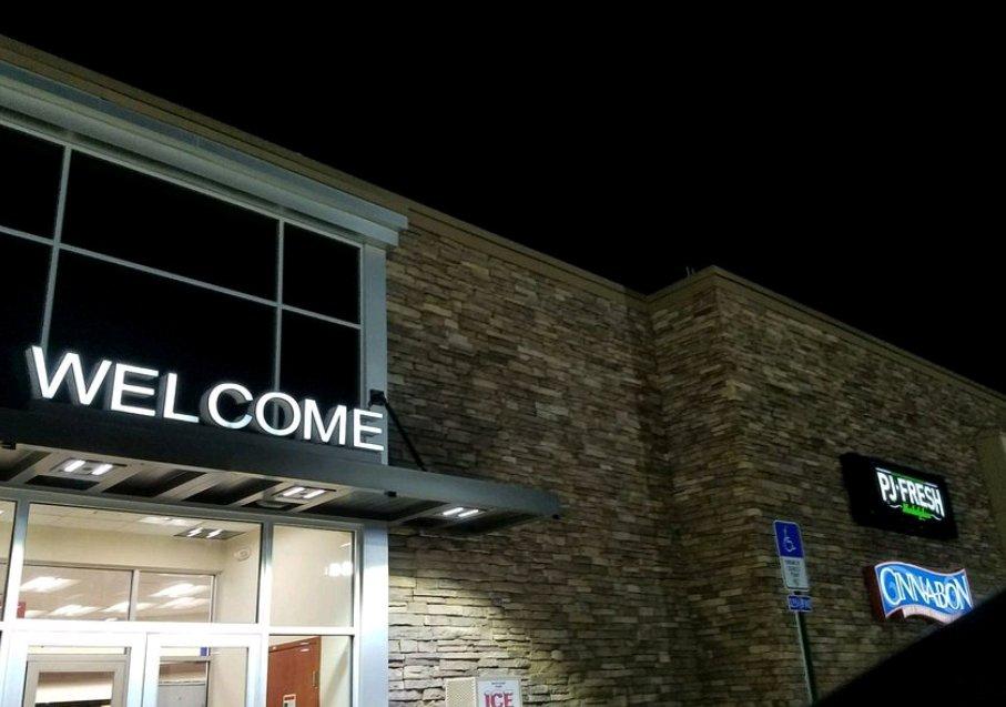 PJ Fresh: 2605 W Commerce St, Buffalo, TX