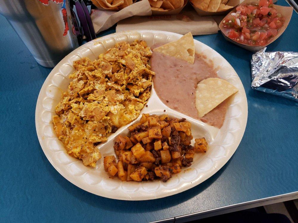 Taco Palenque Palmhurst: 4205 North Conway Ave, Palmhurst, TX