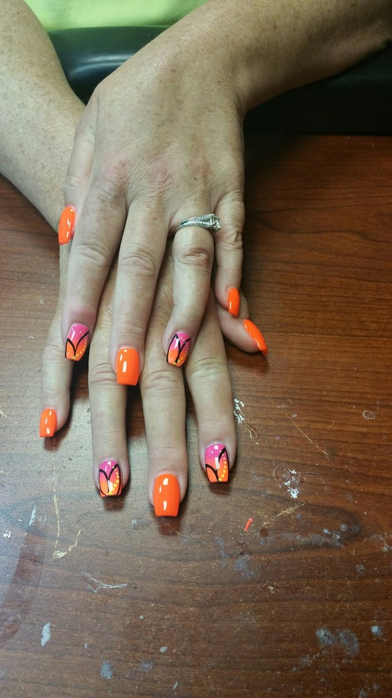 Camouflage Designs Salon & Spa: 2433 Manchester Rd, Akron, OH