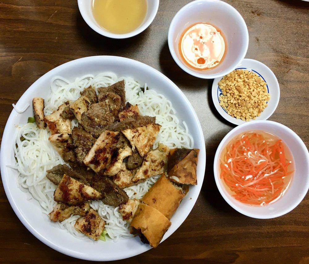 Kim Vu Vietnamese Cuisine: 433 E Dupont Rd, Fort Wayne, IN