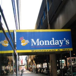Photo Of Monday S Restaurant Chicago Il United States