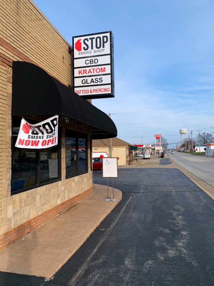 1 Stop Smoke Shop: 111 E Pearce Blvd, Wentzville, MO