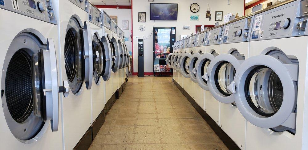 Laura's Laundromat: 361 N Mustang Rd, Mustang, OK