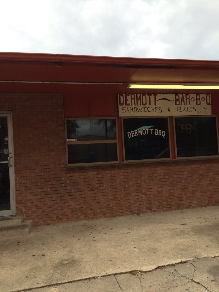 Dermott Barbecue & Sandwich Shop: 105 E Iowa St, Dermott, AR