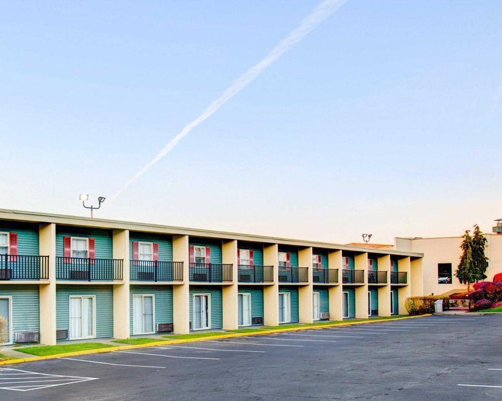 Comfort Inn Conference Center: 699 Rodi Rd, Pittsburgh, PA