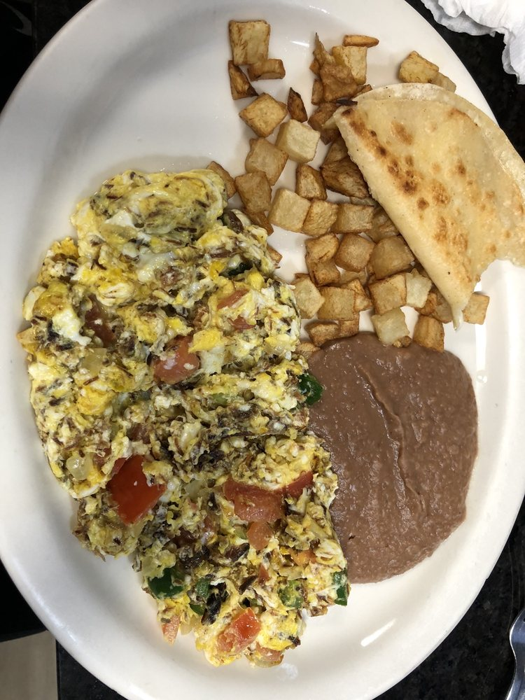 Ricardo's Restaurant: 1453 E Alton Gloor Blvd, Brownsville, TX