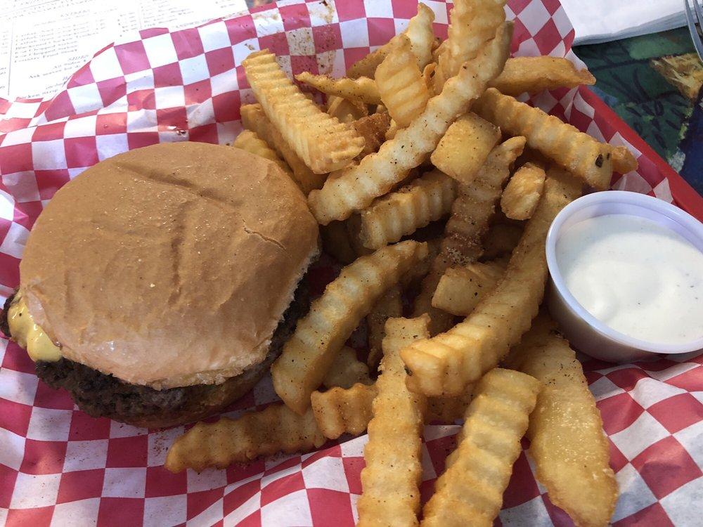Anna Wesleys Restaurant: 28 Chase St, Byhalia, MS
