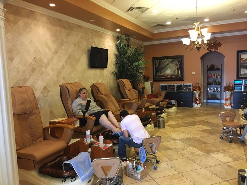 Lavish nail spa 32 photos 37 reviews nail salons for Admiral nail salon