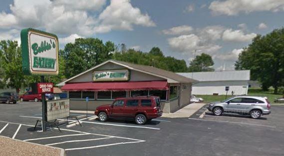 Bobbio's Eatery: 700 State Rt 5, Tipton, MO