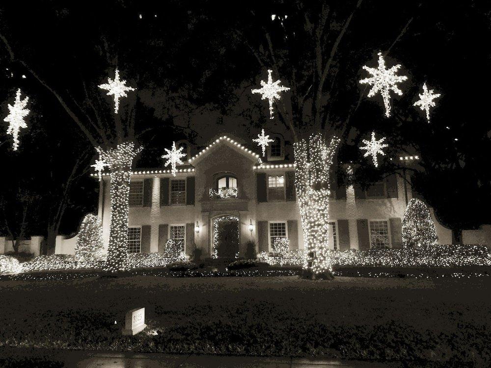 River Oaks Christmas Lights: Houston, TX